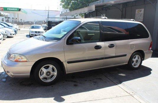 Ford Windstar 2003 impecable en Guadalajara