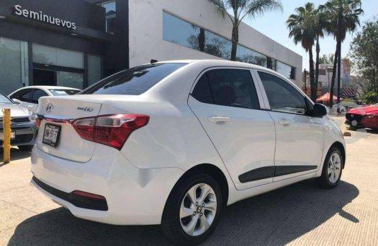 Auto Hyundai Grand I10 2018 de único dueño en buen estado