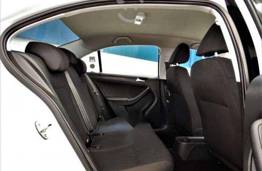 Volkswagen Jetta 2.0 2018 en buena condicción