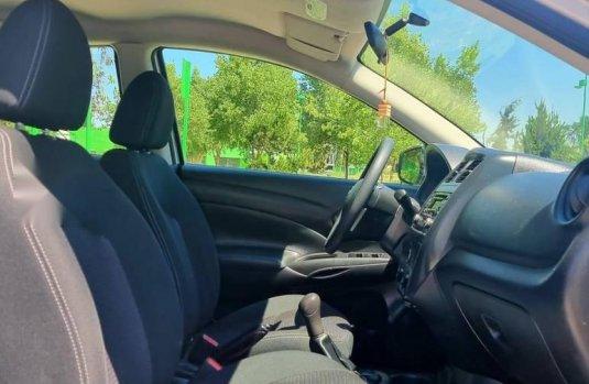 Nissan Versa Sense 2019 impecable en San Luis Potosí