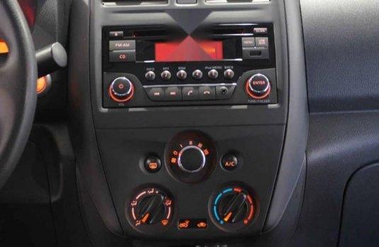 Nissan Versa 2017 4p Sense L4/1.6 Man
