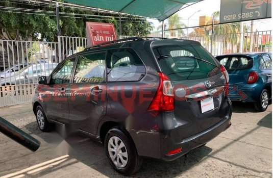 Toyota Avanza 2016 Automática Factura Original