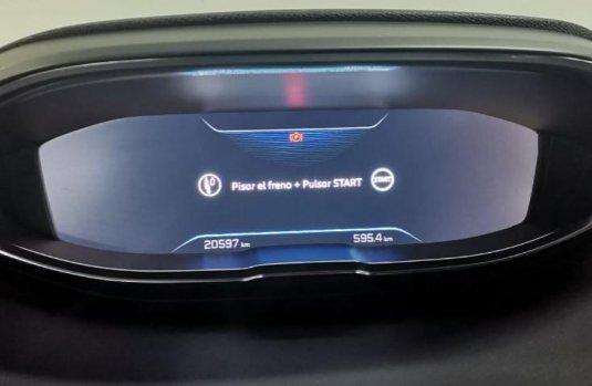Auto Peugeot 3008 2019 de único dueño en buen estado