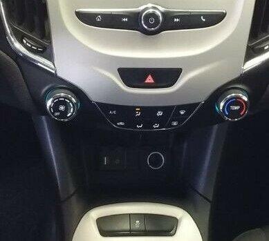 Chevrolet Cruze LS Estándar Turbo 2018 Sedán Tela, Todo Eléctrico, Bluetooth, USB, Aux. 4 Cil. A. A.