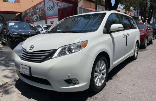 Toyota Sienna Limited Factura Agencia Unico Dueño