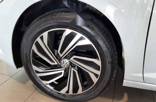 Volkswagen Jetta 2019 4p Highline L4/1.4/T Aut