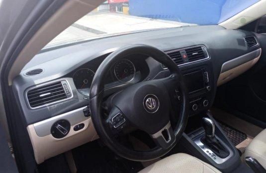 Se vende urgemente Volkswagen Jetta Sport 2014 en Amozoc