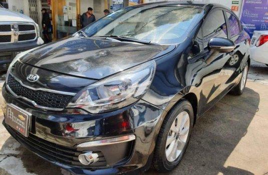 Auto Kia Rio 2017 de único dueño en buen estado