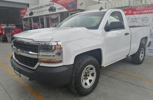 Se vende urgemente Chevrolet Silverado 1500 2017 en Puebla