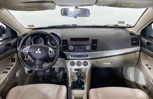 Auto Mitsubishi Lancer 2010 de único dueño en buen estado