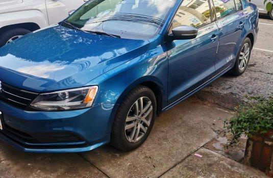 Venta de autos Volkswagen Jetta 2016, Sedán usados a precios bajos