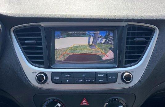 Auto Hyundai Accent 2020 de único dueño en buen estado