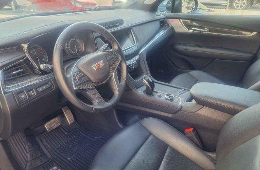 Auto Cadillac XT5 2020 de único dueño en buen estado