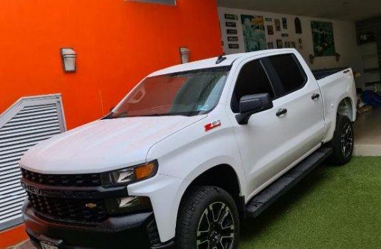 Chevrolet Silverado 1500 2020 en buena condicción