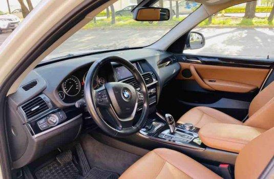 Auto BMW X3 2015 de único dueño en buen estado