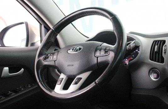 Pongo a la venta cuanto antes posible un Kia Sportage en excelente condicción