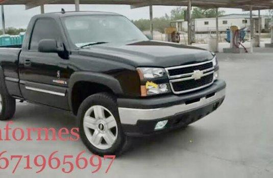 Venta de autos Chevrolet Silverado 2006, Pickup en México, precios asequibles