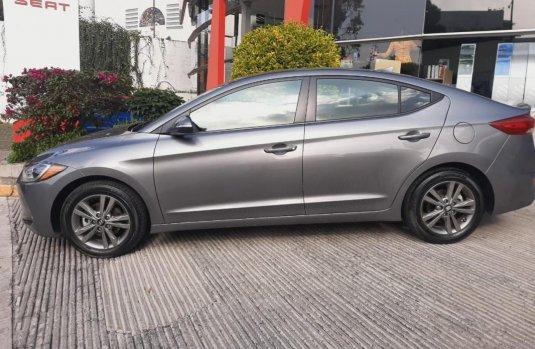Pongo a la venta cuanto antes posible un Hyundai Elantra en excelente condicción