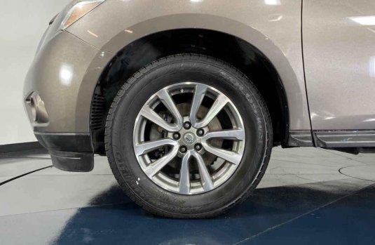Auto Nissan Pathfinder 2014 de único dueño en buen estado