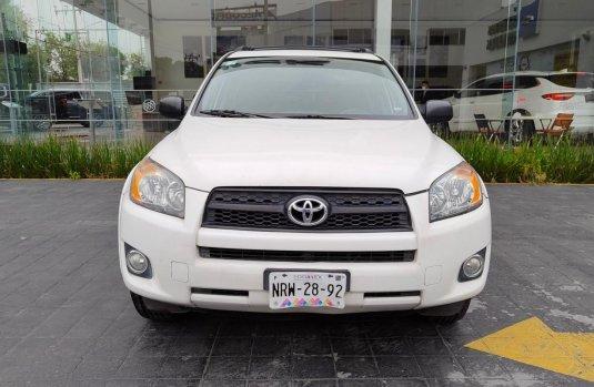 Pongo a la venta cuanto antes posible un Toyota RAV4 en excelente condicción