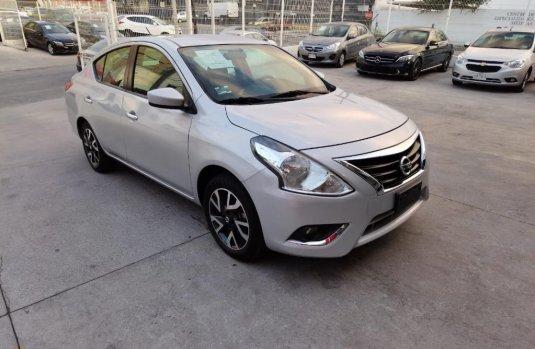Venta de Nissan Versa 2019 usado Automática a un precio de 240000 en Monterrey