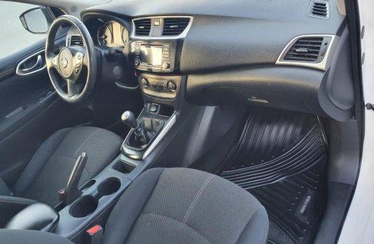 Venta de Nissan Sentra 2017 usado Manual a un precio de 189000 en Centro