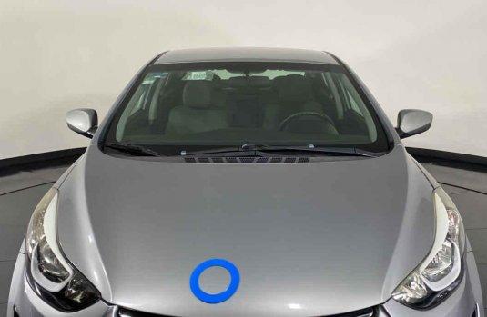 Auto Hyundai Elantra 2016 de único dueño en buen estado