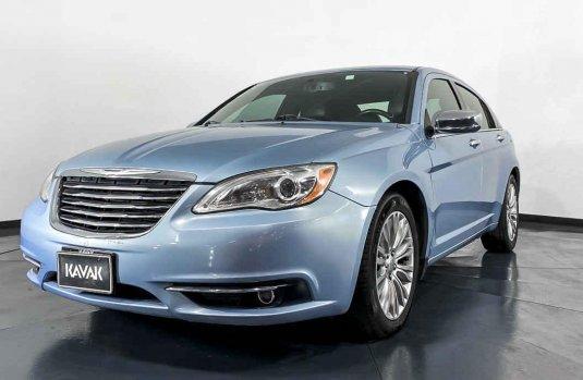 Se pone en venta Chrysler 200 2013