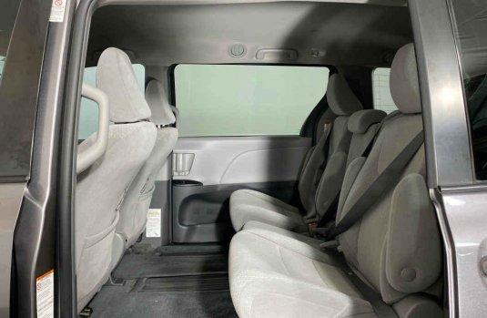 Toyota Sienna 2018 barato en Juárez