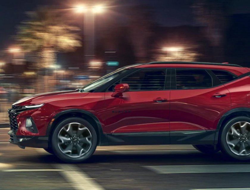 Chevrolet Blazer RS 2019 toma nocturna