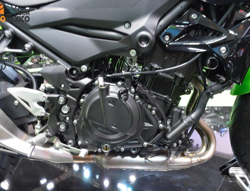 Kawasaki Z400 ABS 2019 en Bangkok Motor Show 2019