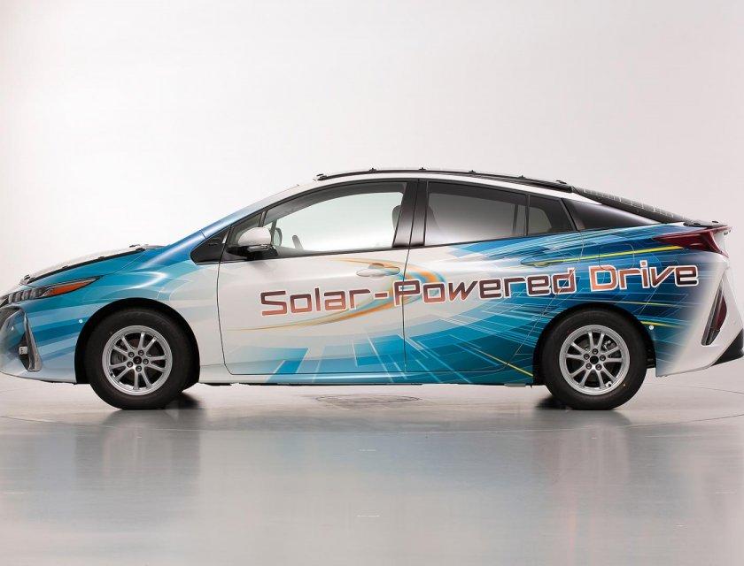 El Toyota Prius PHV que funciona con energía solar