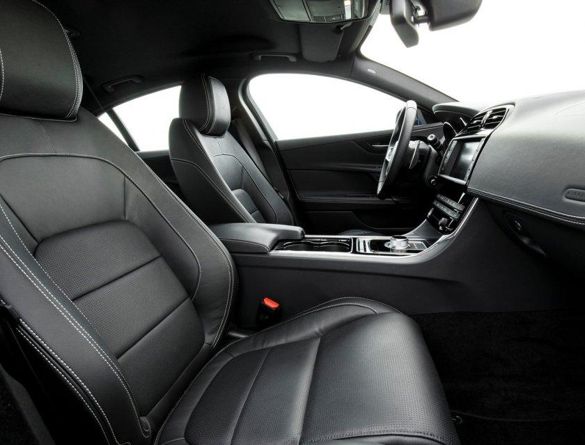 Jaguar XE Pure 2019