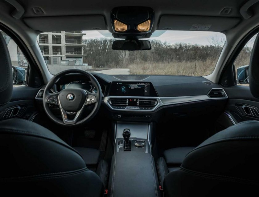 BMW 330e 2021