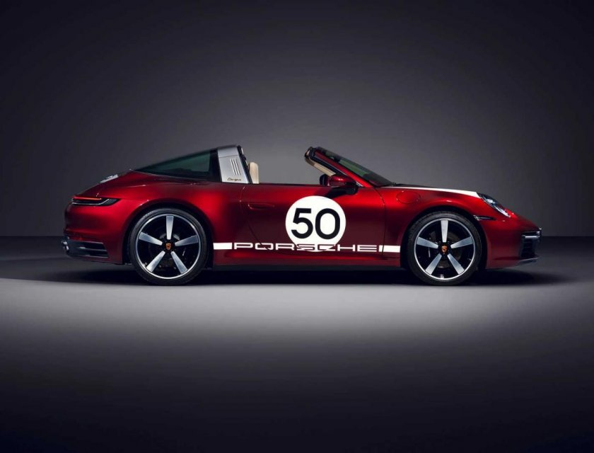 Porsche 911 4S Targa Heritage Edition 2021