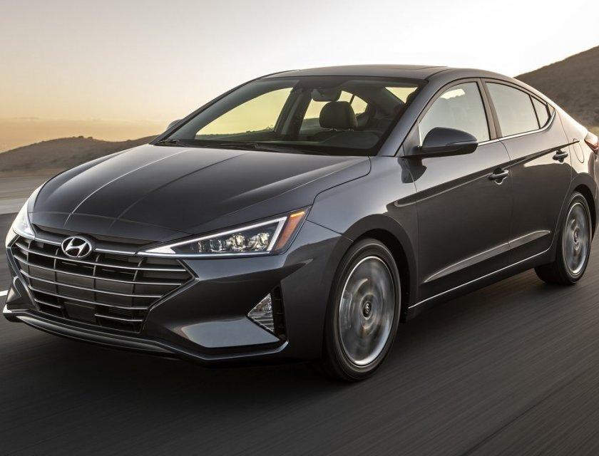 Hyundai Elantra Precio 1