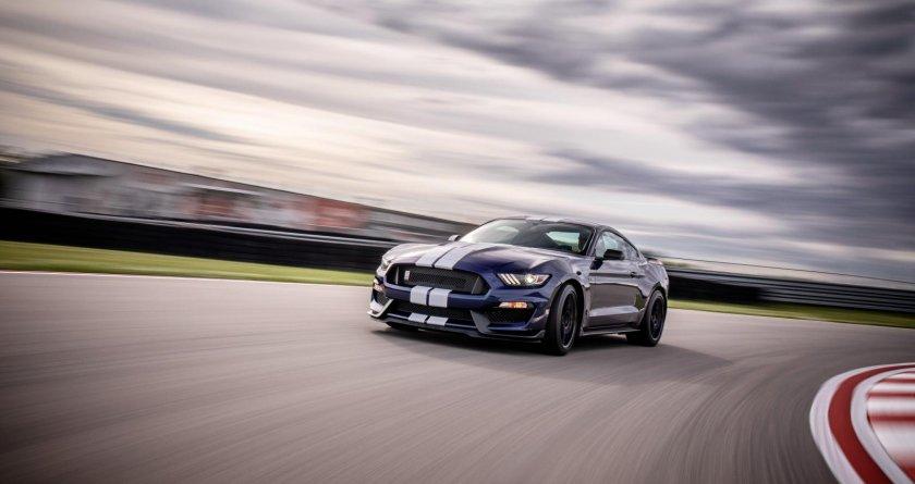 ¿En qué año llegó el primer Ford Mustang GT350?