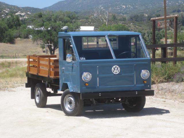 No, no se trata de la creación de algún fanático o un concepto, ¿sabes cómo se llamaba este peculiar vehículo que se vendió en los años 70?  ¿Cómo se le conocía al VW T200 en México?